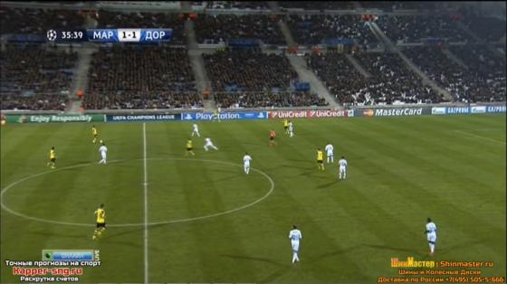 José Anigo replace Khalifa sur le côté gauche. Thauvin occupe donc l'autre côté.
